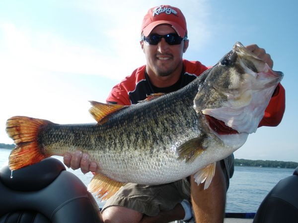 Lake fork trophy bass report january 13 2011 for Texas bass fishing guides