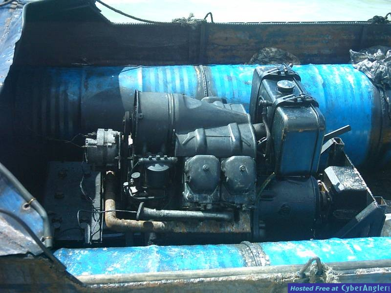 Motor on cuban boat