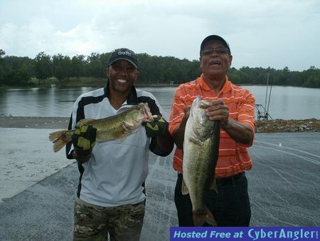 father and son on alabama 39 s lay lake with reeds guide service